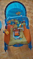 Chaise berçante musicale FisherPrice Baby Swing Chair Like New