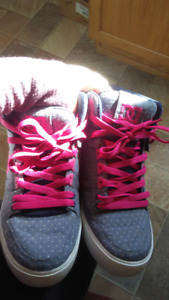 DC sneakers size 9