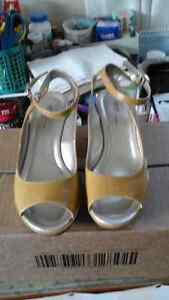 summer mustard colour shoes