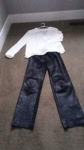 straight cut slightly below waist BLACK LEATHER PANTS SIZE 9/10