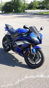 2015 Yamaha R6 (1,400 kms) w/ upgrades & accessories