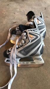 Junior CCM hockey skates