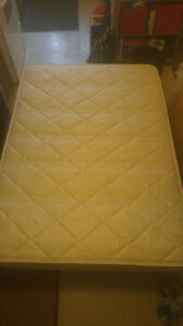 !!!BARELY USED DOUBLE SIZE MATTRESS AND BOX SPRING!!! $275 OBO