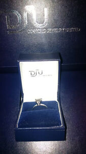 14k White Gold with 1.08 Round Cut Diamond Ring!