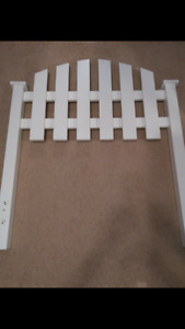 Single wood headboard -white -girls or boys -fence/gate style