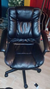 Swivel, Executive Office, and Candidate Chairs for Sale! Moving!