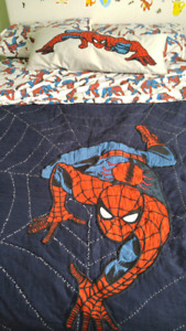 Pottery Barn Spiderman Quilt and Bed Sheets ( Double)