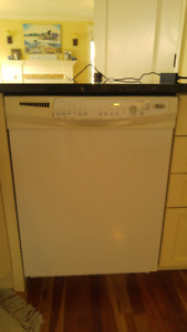 New to You! Very Clean Fridge, STOVE & RANGE HOOD SOLD