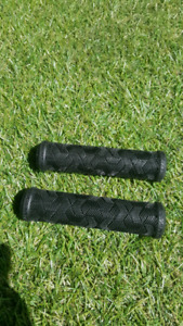 Giant handle bar grips