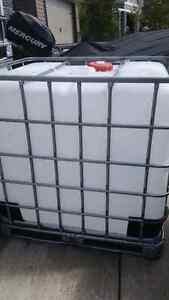 1000 liter water totes for sale!!!!