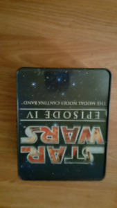 STAR WARS TIN FOR SALE WITH 5 CHARACTERS