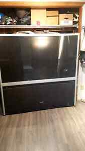 "65 ""Toshiba.Rear projection tv"
