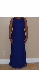 """Aidan by Aidan Mattox Blue Gown/Longue Robe """"Réduit/Reduced!"""""""