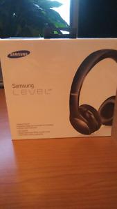 Écouteurs Samsung neufs