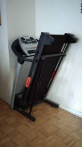 NordicTrack T4.0 Space Saver  Folding Treadmill