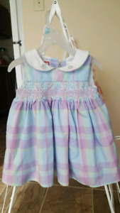 Toddler girl dress size 12-18 months 5$ for 2