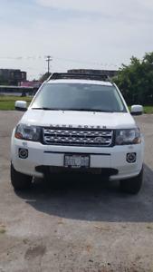2013 Land Rover LR2 SUV, Crossover