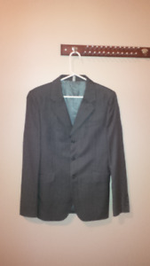 Men's 3 piece suit --small--almost new