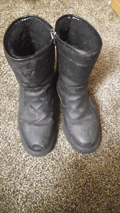Insulated faux leather zip up boots