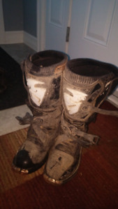 Size 9 thor dirt bike boots
