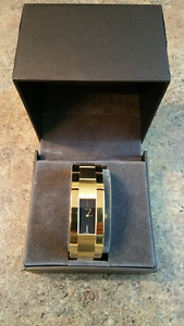 Men's Gold Gucci Watch