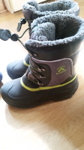 Boys winter boots - like new