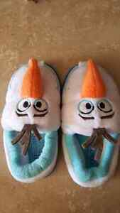 Toddler sizr 9 -10 Olaf slippers