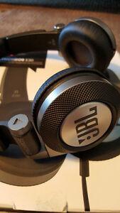 JBL Synchros E30, On-Ear Headphones with Legendary Sound