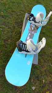 Mens Forum Snowboard and Bindings  London Ontario image 5