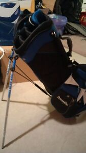 Brand new Powerbilt golf bag with leg stand + shoulder straps Stratford Kitchener Area image 2