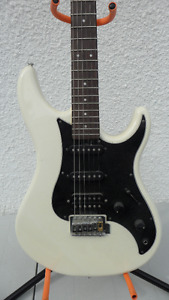 Yamaha SE112 Stratocaster Electric Guitar $120