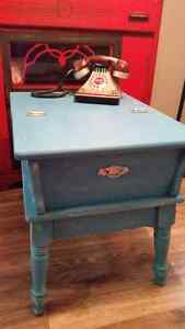 Beautiful Vintage Chalk Painted Table Cambridge Kitchener Area image 2