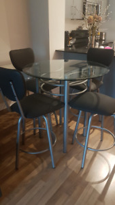 5 piece contemporary counter-height kitchen table and stools set