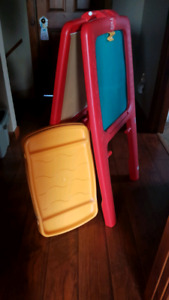 Kid's Art Easel