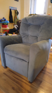 Toddler lazy boy chair