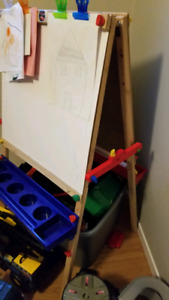 Kids Easel/chalk board