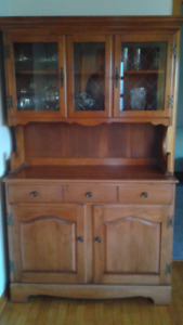 Roxton Maple Buffet, Hutch, Table and 6 Chairs