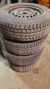 Plusieurs pneus differente grandeur