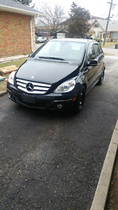 2009 Mercedes Benz B200 (with winter tires)