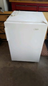 Wood's free stand Freezer