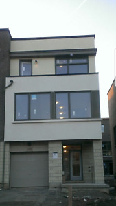 Dundas/Trafalgar-Brandnew Townhouse-3 Bdrms+4 Washrms