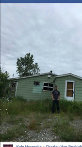 Small house and 0.8 acre land