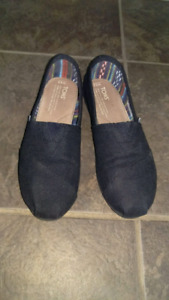 Toms size 6.5