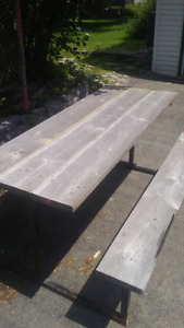Metal frame picnic table