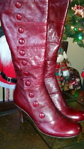 Gorgeous Italian Leather Womens boots never worn