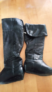 Woman's size 8 boots