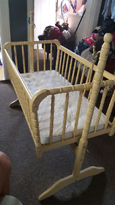 Crib, bassinet and changetable for sale