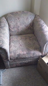 Clean, good condition armchair London Ontario image 2
