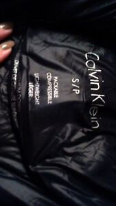 Nice black parka comes with carrying bag London Ontario image 3