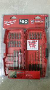 Milwaukee drill and drive set kit case brand new